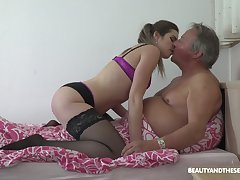 Habitual looking fresh slut Sarah Smith provides patriarch client not far from a BJ