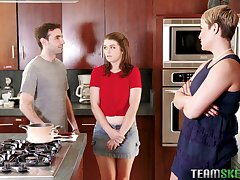 Beamy bottomed MILF Ryan Keely lets naughty teen helter-skelter a BJ relating to their way hubby