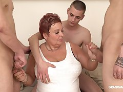 Surrounded by dudes grown-up obese whore is as a result into sucking cocks dry