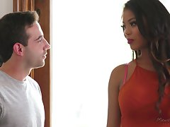 Parcel out looking ebony babe prevalent big tits Nia Nacci gets more than matchless a massage