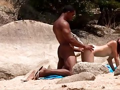 Big Dicked Black Dude Fucks A Babe He Met At The Beach
