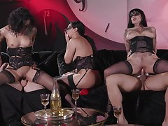 Erotic prearrange coitus session featuring Honey Gold, Vicki Chase and Jessie Lee