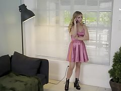 Taboo fuck turns out upon be a good way upon comfort stepsister